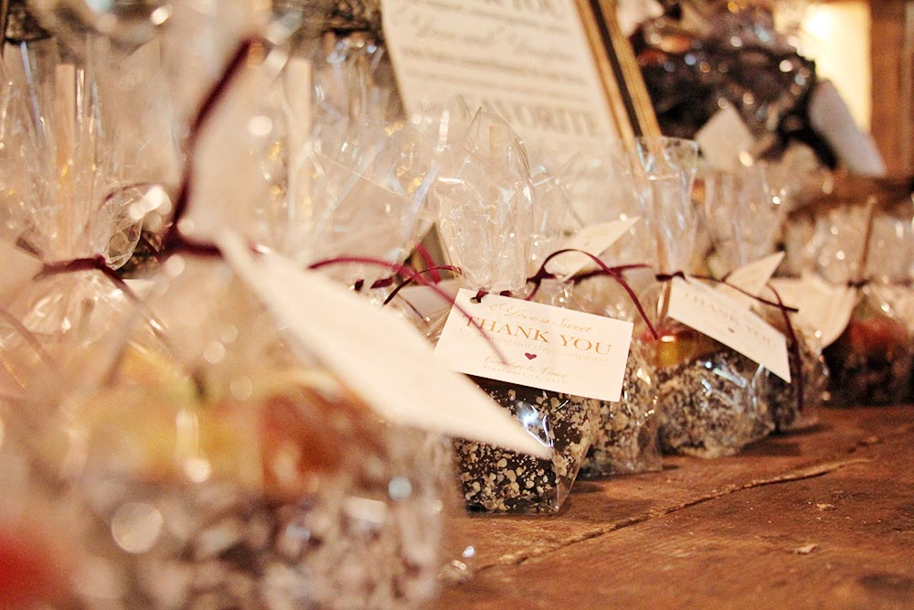 Riverside Farm Vermont Wedding Detail - Candy Apple Favors by Cuisine Lucette