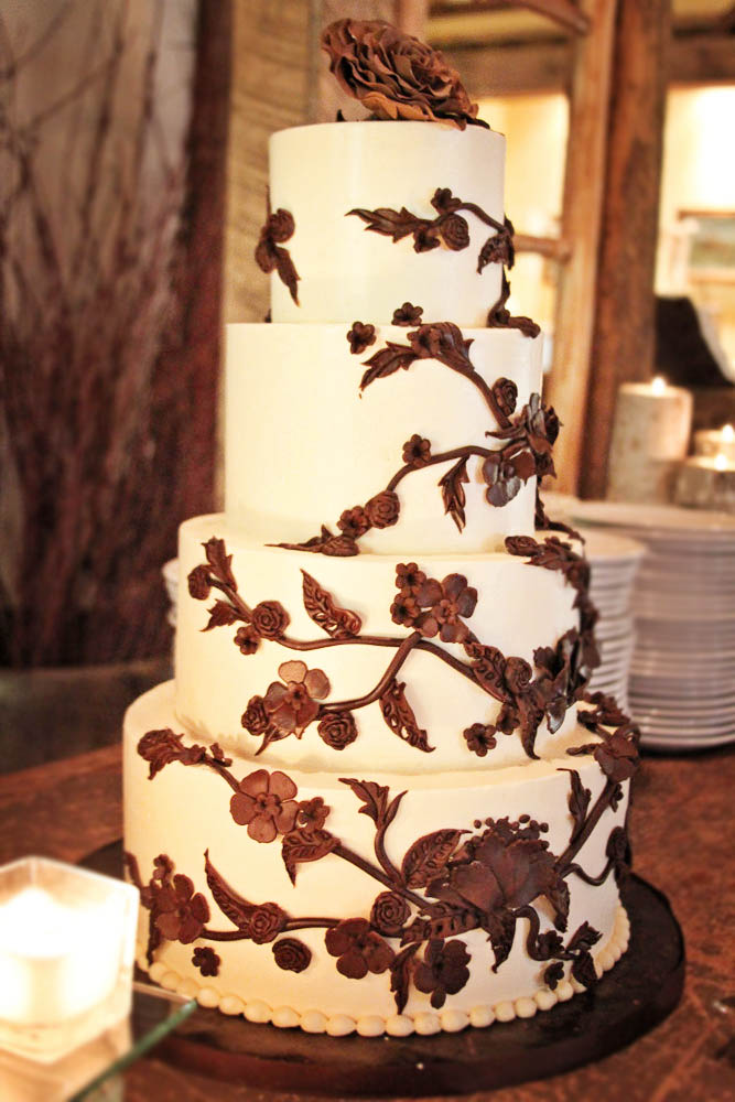 Riverside Farm Vermont - Real Wedding Details - Irene's Cakes by Design
