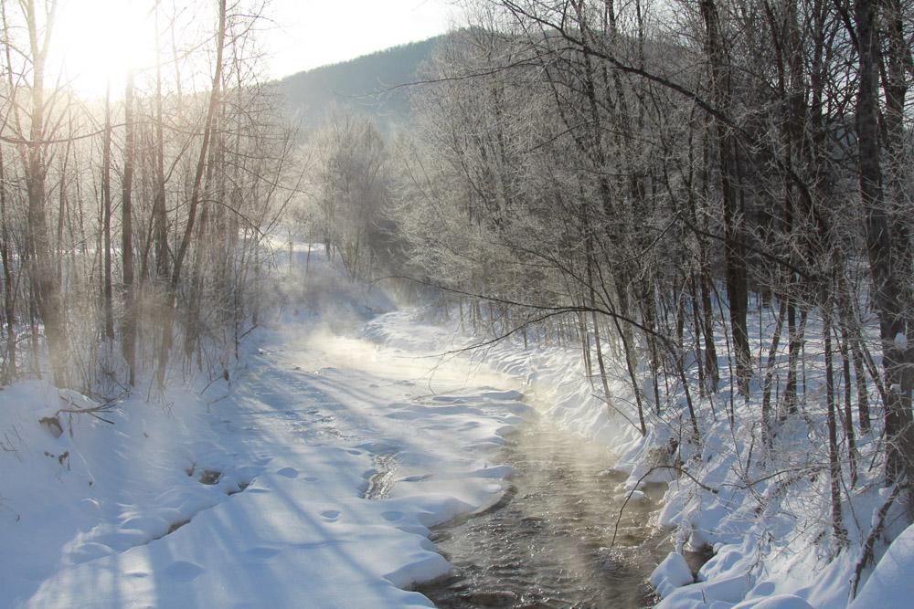 A Vermont Winter Wedding Wonderland -  Riverside Farm - Tweed River