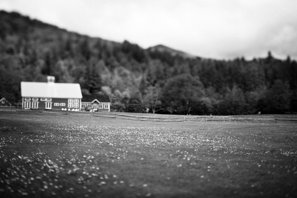 Wedding Barn-Riverside Farm Red Barn
