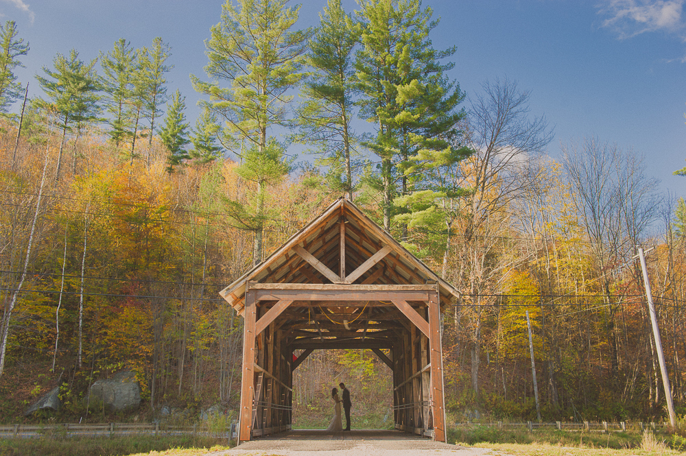 Riverside_Farm_Weddings_Covered_Bridge-15