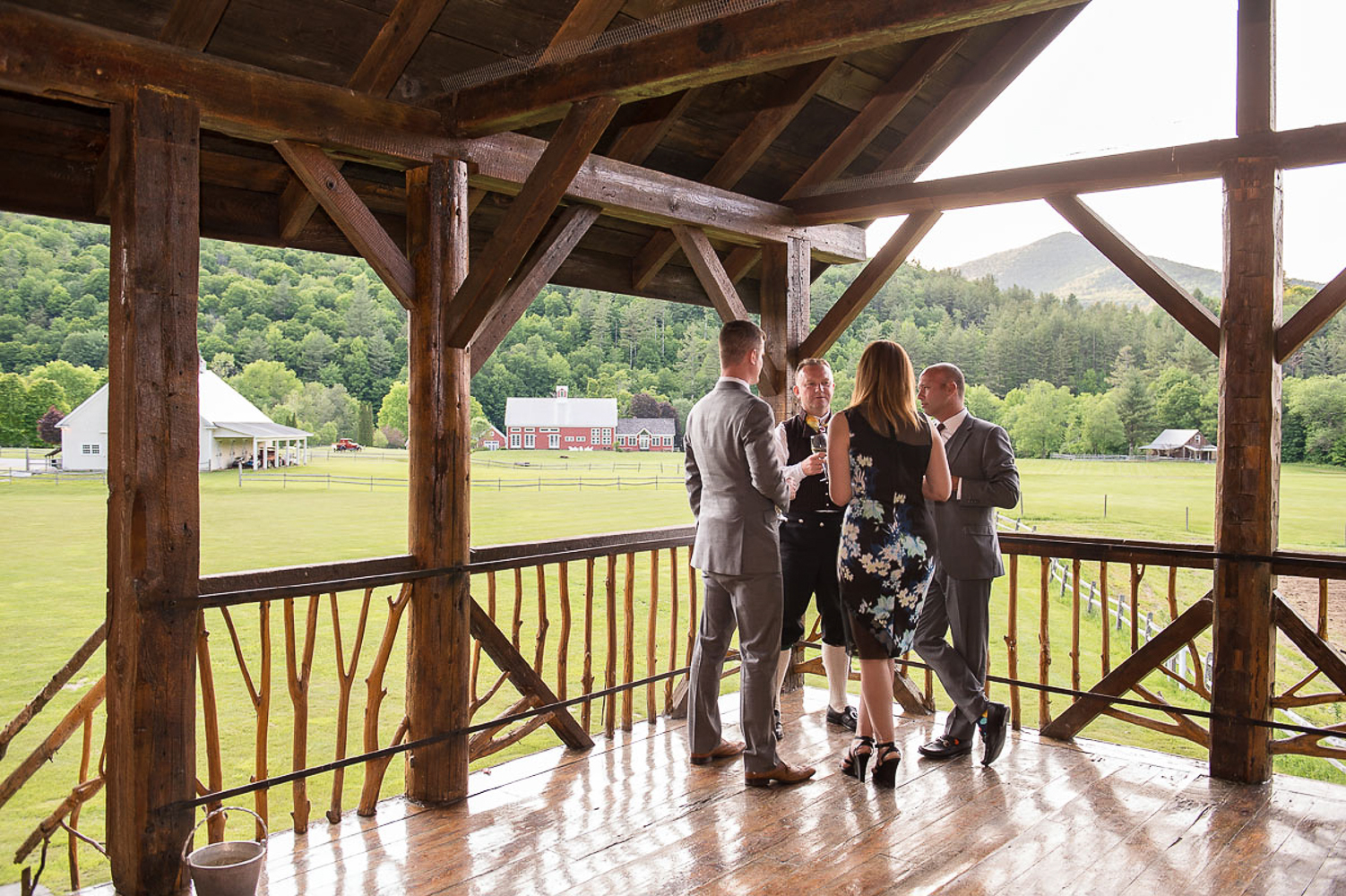 Riverside_Farm_Wedding_DariaBishop-12