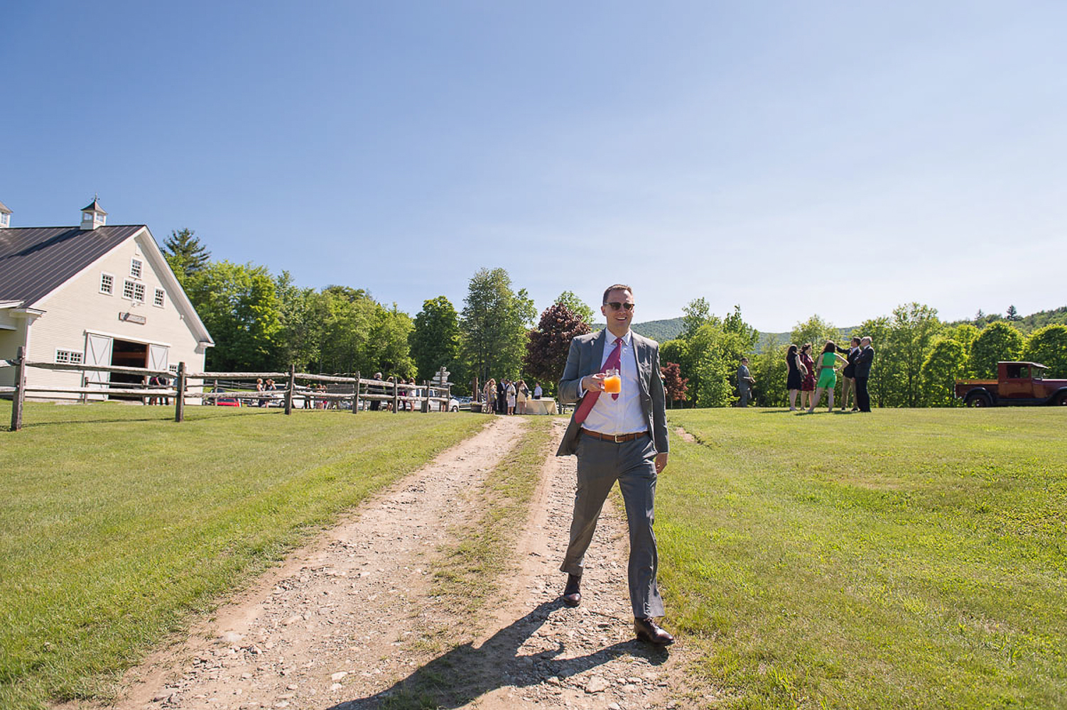 Riverside_Farm_Wedding_DariaBishop-6