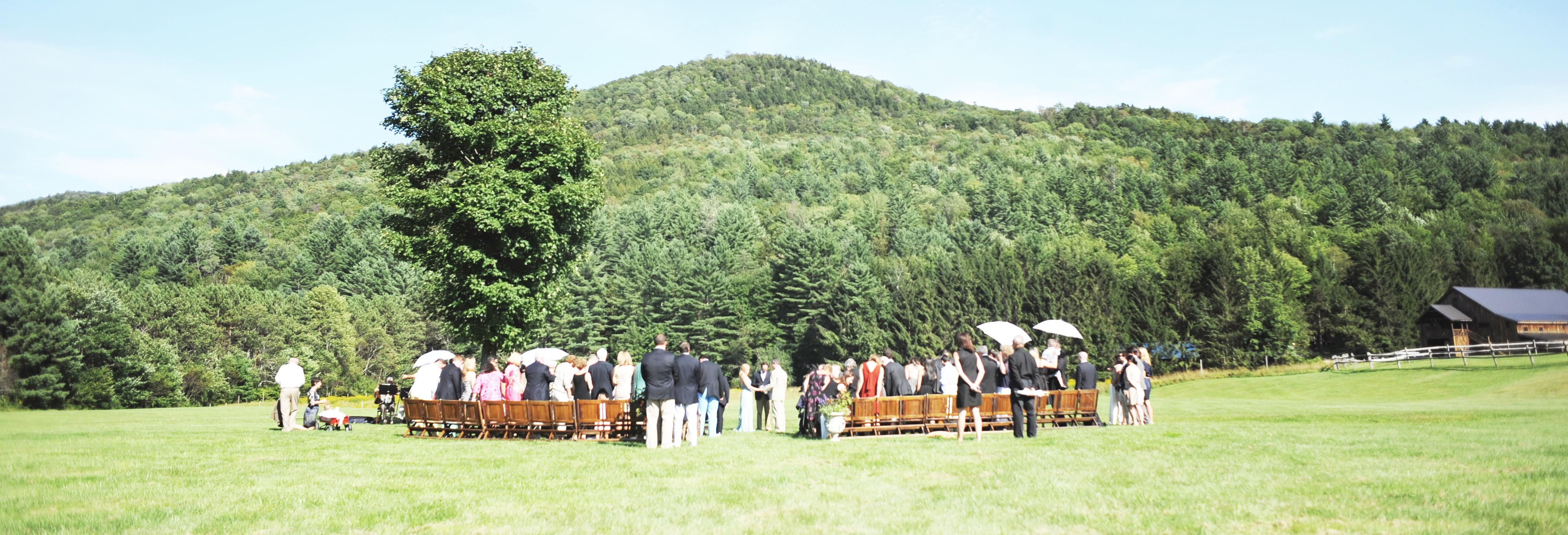 Riverside_Farm_Wedding_Ceremony
